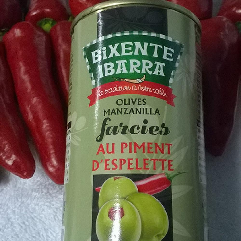 olives farcies a la puree de piment d'espelette